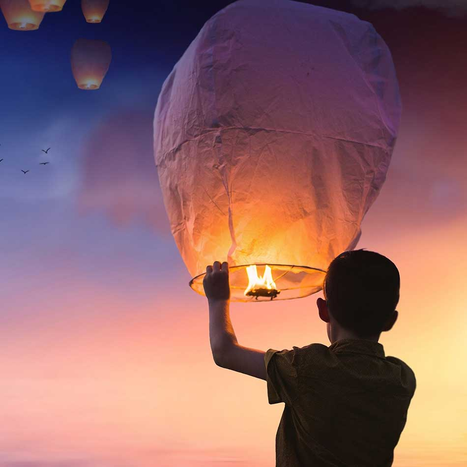 celebrant memorial services - paper baloon